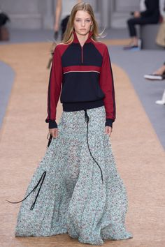 7fba25d9674a Chloé Spring 2016 Ready-to-Wear Fashion Show - Roos Abels (Ford)