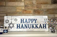 24 Classic and Elegant Hanukkah Decor Ideas - Christmas decor ideas , Feliz Hanukkah, Hanukkah Crafts, Jewish Crafts, Hanukkah Decorations, Christmas Hanukkah, Hannukah, Happy Hanukkah, Hanukkah 2019, Christmas Ideas