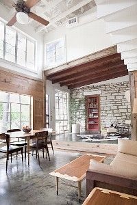 Carriage house with pool in SOCO