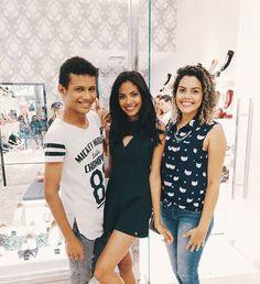 Hoje foi dia de conferir à coleção 'Verão 2017' da @lojalarissarojas_slz com as bloggers @blogntc e a @cachoseoutrasondas ❤😍 As peças da coleção estão incríveis! Vale a pena conferir o Instagram da loja! •📱www.csmedeiros.com.br📱 • #trend #saoluis #slz