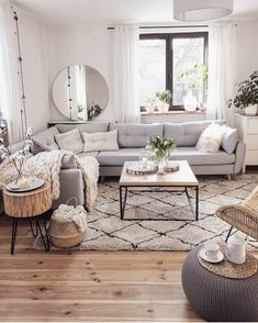If you are looking for Scandinavian Living Room Design Ideas, You come to the right place. Below are the Scandinavian Living Room Design Ideas. Beautiful Living Rooms, Cozy Living Rooms, Home Living Room, Living Room Designs, Living Room Decor With Grey Couch, Beige And White Living Room, Living Room Apartment, Grey Home Decor, Small Living Room Kitchen Ideas