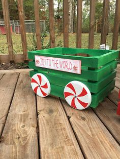 Me and My Crafties: Little Christmas Crate Train Outside Christmas Decorations, Christmas Wood Crafts, Farmhouse Christmas Decor, Christmas Projects, Holiday Crafts, Christmas Ornaments, Christmas Train, Christmas Signs, Little Christmas
