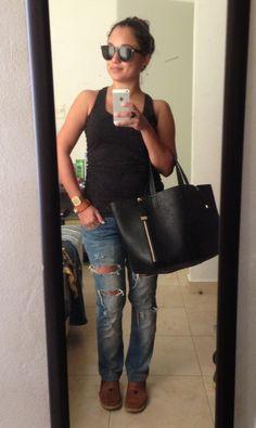 Sabado de jeans rotos