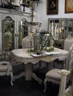 6 Discerning ideas: Shabby Chic Home Colors shabby chic wall decor tips.Shabby Chic Wall Decor Tips. Shabby Chic Dining Room, Chic Living Room, Shabby Chic Kitchen, Shabby Chic Cottage, Shabby Chic Homes, Shabby Chic Style, Shabby Chic Furniture, Shabby Chic Decor, Dining Rooms