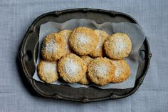 coconut oatmeal cookies gluten free and refined sugar free! Sugar Free Cookie Recipes, Sugar Free Baking, Gluten Free Cookies, Gluten Free Baking, Cookies Vegan, Primal Recipes, My Recipes, Sweet Recipes, Real Food Recipes