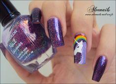 http://aleenails-nail-art.fr/ma-premiere-licorne-nail-art/