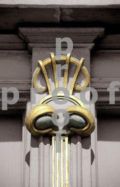 moulding Vienna Secession, Interior And Exterior, Door Handles, Facebook, Ornaments, Home Decor, Architecture, Door Knobs, Decoration Home
