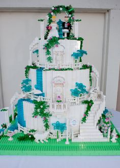 LEGO wedding cake - You know he/she is the one when they let you do the main wedding cake in Legos!