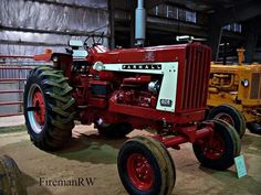 If it wasn't red, it stayed in the shed! International Tractors, International Harvester, Farmall Tractors, Red Tractor, Classic Tractor, Antique Tractors, Case Ih, Vintage Farm, Hot Rides