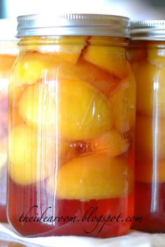 Step-by-Step Tutorial with pictures for how to can Peaches via Amy Huntley {The Idea Room}  #bottlingpeaches #canning