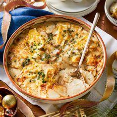 Brie, sour cream and chive potato bake Recipe Bhg Recipes, Potato Recipes, Baking Recipes, Dinner Recipes, Recipies, Potato Dishes, Sour Cream Recipes Dinner, Chives Recipes, Dinner Ideas