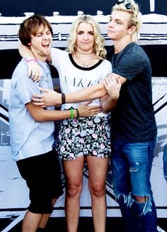 Ellington Ratliff, Ross and Rydel Lynch just being weird!