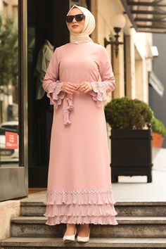 مدل مانتو بلند زنانه 98 Tesettür İç Çamaşır Modelleri 2020 - Tesettür Modelleri ve Modası 2019 ve 2020 Hijab Evening Dress, Evening Dresses, Hijab Dress, Abaya Fashion, Muslim Fashion, African Fashion Dresses, African Dress, African Outfits, Mode Turban