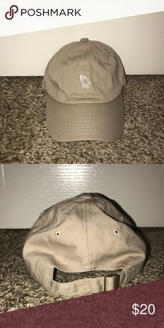 67650389e54b3 Praying Dad Hat Is in good condition