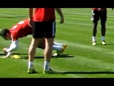 Funny - Claudio Pizarro getting a painful nut shot from Bastian Schweinsteiger - FC Bayern Munich