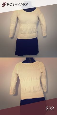 Banana Republic Cable Sweater White White cable knitted sweater. Worn once or twice Banana Republic Sweaters Crew & Scoop Necks