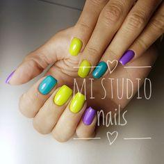 Маникюр комбинированный цветной желтый синий зеленый сиреневый фиолетовый радуга радужный