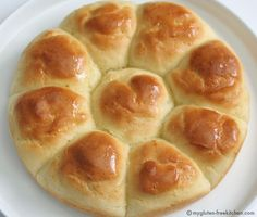 Gluten-free Pull-Apart Dinner Rolls ~An easy recipe that makes beautiful rolls that taste great. Perfect recipe for holiday meals! Uses Gluten Free Mama's mix. Gluten Free Cooking, Gluten Free Desserts, Dairy Free Recipes, Gf Recipes, Gluten Free Breakfasts, Pains Sans Gluten, Dairy Free Margarine, Gluten Free Flour, Gluten Free Thanksgiving