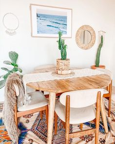Enjoy the freedom of styling and make your dwelling seems fine with this motivational graph of boho trend lounge décor p Boho Chic Bedroom, Beautiful Dining Rooms, Lounge Decor, Bohemian Interior, Interior Exterior, Dream Decor, Dining Room Design, Dining Furniture, Home Decor Styles