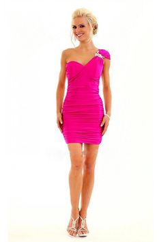 http://www.safestchina.com/products_image/wholesale-sexy-short-party-gowns-310817.jpg