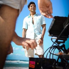 Farhan Akhtar in a relaxed mood while shooting on Surfers Paradise Beach, Gold Coast, Australia for #ShaadiKeSideEffects