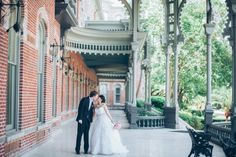 The Vault Tampa | Downtown Tampa Wedding | University of Tampa | Tampa Theater | Pink and White | Papered Heart Photography