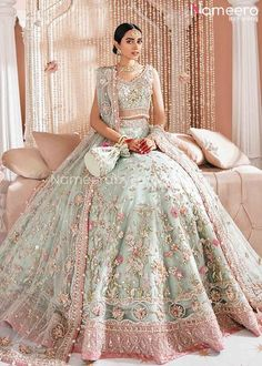 Desi Wedding Dresses, Asian Bridal Dresses, Asian Wedding Dress, Pakistani Wedding Dresses, Indian Wedding Outfits, Bridal Outfits, Pakistani Lehenga, New Mode, Bridal Dress Design