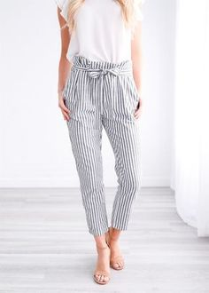 Striped Linen Pant - All About Summer Pants Outfits, Spring Outfits, Casual Outfits, Cute Outfits, Fashion Outfits, Women's Casual, Fashion Women, Outfit Summer, Ropa Semi Formal