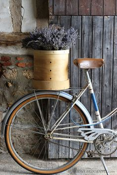 Sunday Brocantes...: The shop is {almost} open!