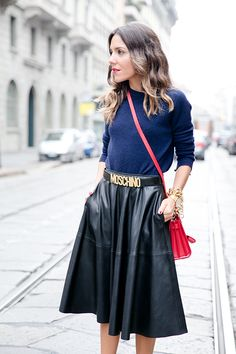 Leather skirt and red touch PEEPTOES | The latest from Paula Ordovás blog, journalist