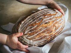Pšenično-ražný kváskový chlieb Pork, Food And Drink, Bread, Recipies, Kale Stir Fry, Brot, Baking, Breads, Pork Chops