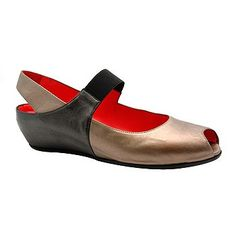 "Pas De Rouge ""R918"" Wedge Slingbacks"