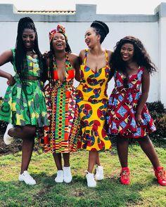 The latest stylish combination of an Ankara styles with sneakers. African Print Fashion, Ethnic Fashion, African Prints, African Traditional Wear, Mode Wax, Ankara Stil, Kobe Bryant Black Mamba, Latest Ankara Styles, Punk