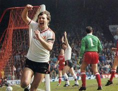 Robbo Retro Football, Football Pictures, Man Utd Squad, Bryan Robson, Sir Alex Ferguson, Manchester United Football, Simply Red, The Unit, Red Army