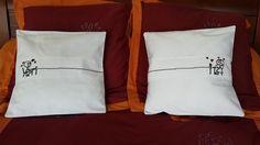 2 Housses de coussin brodé à la main cadeau de mariage unique : Textiles et tapis par couture-deb