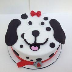 Dog cake make it a Bassett hound Cupcakes, Cupcake Cakes, Puppy Cake, Doggie Cake, Daisy Cakes, Animal Cakes, Gateaux Cake, Dog Cakes, Novelty Cakes