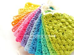 Crochet triangle bunting tutorial by Carina » Polka & Bloom, via Flickr