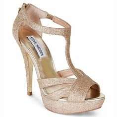Golden Halo Steve Madden heels, golden glitter to match the nail polish! So glitzy and glamorous #TopshopPromQueen