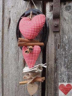 Ghirlanda natalizia  portafortuna con ferro di di RomantikPony