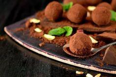 Anti-Inflammatory Turmeric Almond Milk Drink - Step To Health Freckle Remover, Homemade Truffles, Chocolate Truffles, Calories, Almond Milk, Healthy Drinks, Turmeric, Tiramisu, Baking Soda