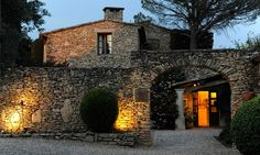 Mas des Herbes Blanches Relais & Châteaux Gordes - Luxury Hotel Gordes Lubéron Provence ~ very inviting!!
