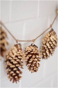 Over 75 holiday DIY decorations