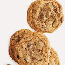 Crisp and Chewy Chocolate Chip Cookies Recipe