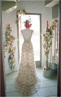 Claire Pettibone 'Oleander' wedding dress photographed by Jane Beer, Editor of Brides Magazine at the Claire Pettibone Flagship Salon aka #TheCastle