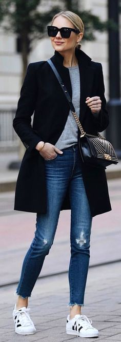 black coat and grey crew-neck shirt with b.- black coat and grey crew-neck shirt with blue denim jeans. Pic… black coat and grey crew-neck shirt with blue denim jeans. Pic by Fashion Jackson. Fashion Mode, Look Fashion, Street Fashion, Trendy Fashion, Womens Fashion, Fashion Black, Dress Fashion, Fashion Clothes, Jeans Fashion