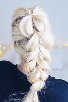 The perfect pull-through braid on @grcelisabeth <3