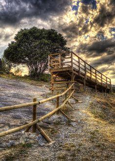 Mirador | Yacimiento de huellas de dinosaurios en Enciso, La… | Flickr