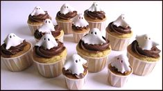 cupcakes halloweenhttp://tormenti.altervista.org/cupcakes-halloween/