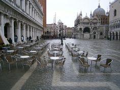 Aqua Alta en la Piazza San Marco en Venecia, inolvidable!!