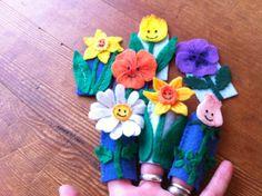 Pattern for Flower Finger Puppets